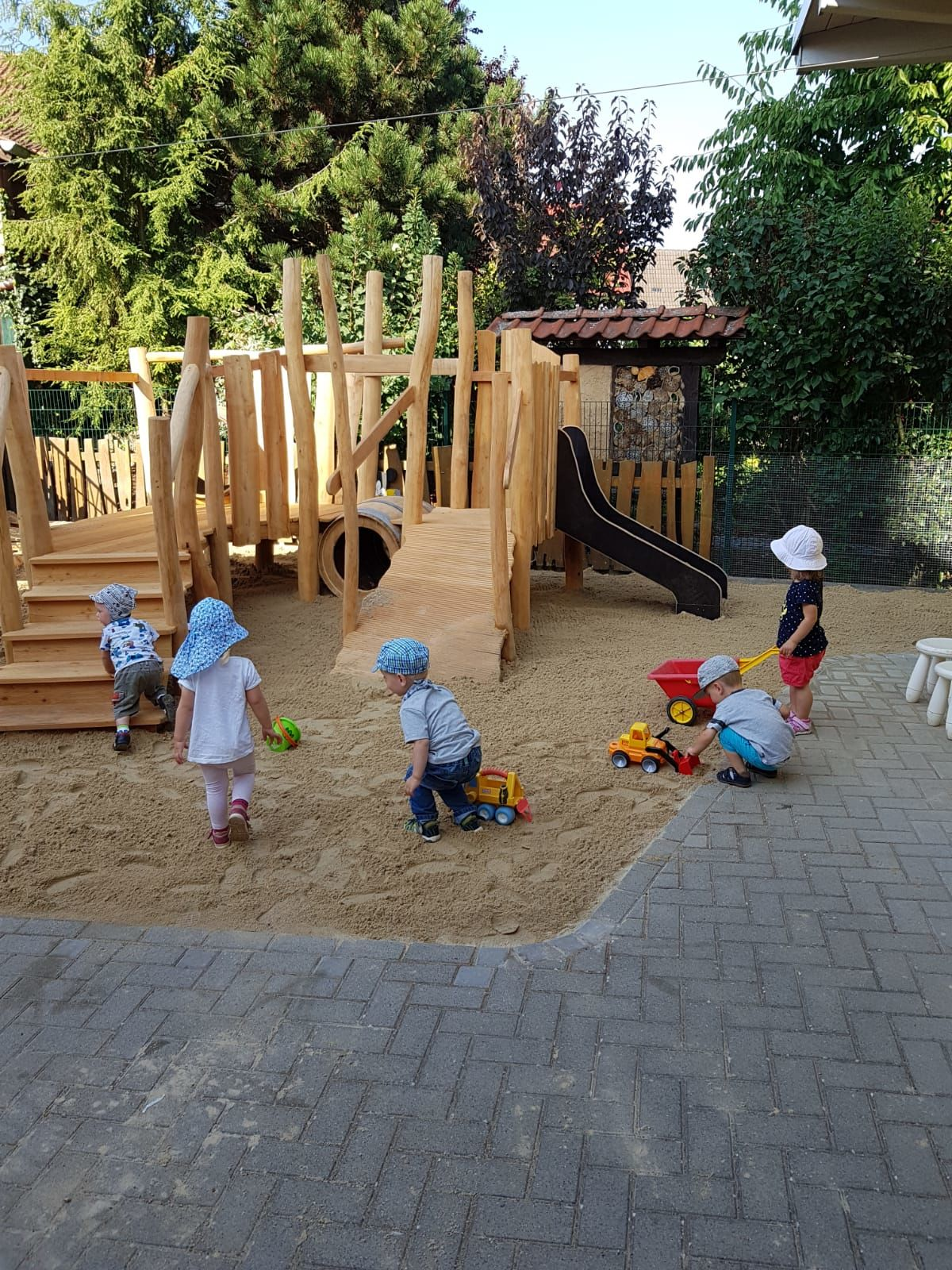 Neuer Spielplatz 4